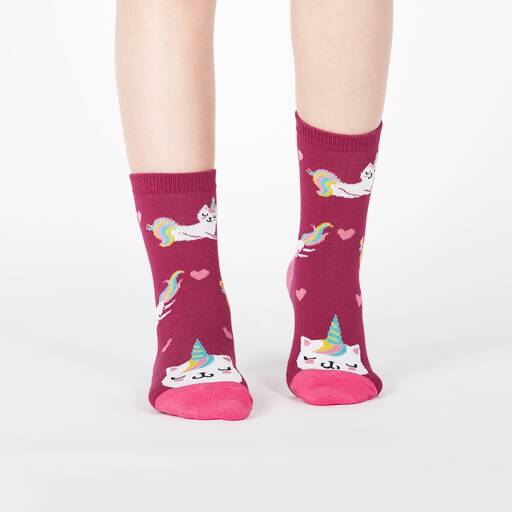 model wearing Look at Me Meow - Colorful and Cute Unicorn Kitty Crew Socks Pink - Junior's
