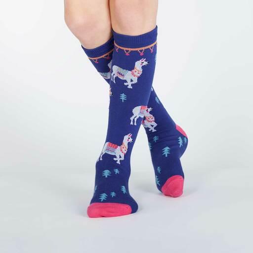 model wearing ¿Cómo te Llamas? - Llama Knee High Socks - Juniors