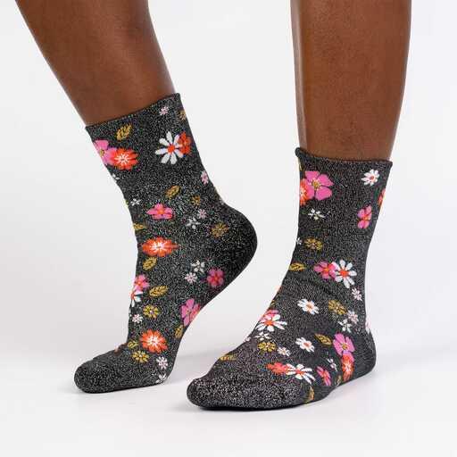 Foot Traffic Cotton Black Color Girl Power flowers Women/'s Crew Socks New