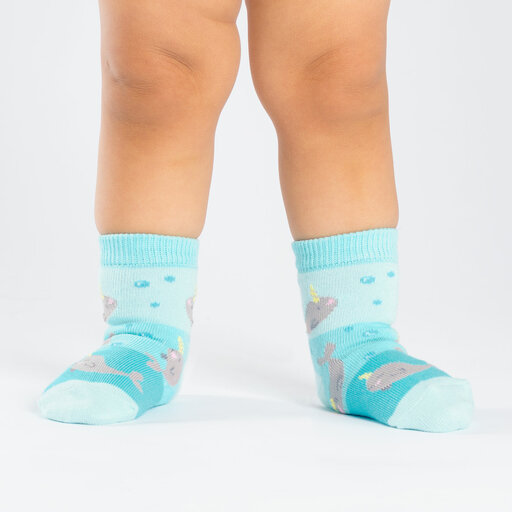 model wearing Unicorn Of The Sea - Narwhal Crew Socks Blue - Toddler