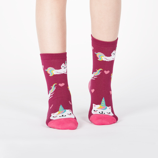 model wearing Look at Me Meow - Colorful and Cute Unicorn Kitty Crew Socks Pink - Youth