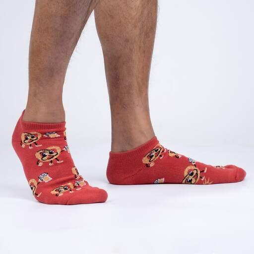model side view of Pretztoebeerfest Ankle Socks - M/L