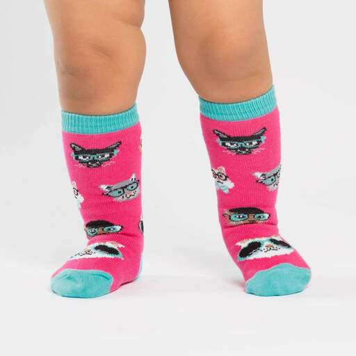 model wearing Smarty Cats - Cat Knee High Socks Pink - Toddler